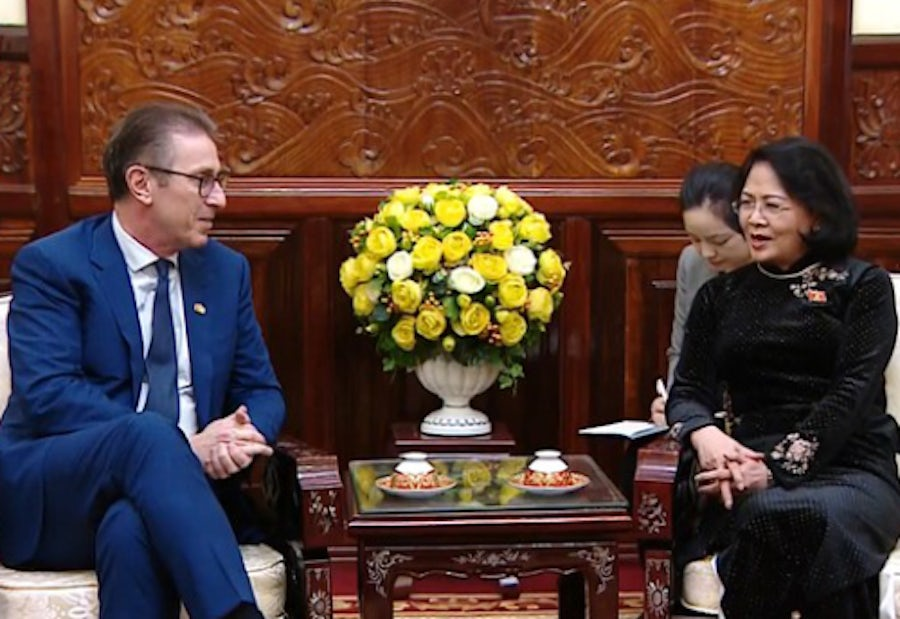 Vietnam's Vice President and Andy Kinsella discuss clean energy future