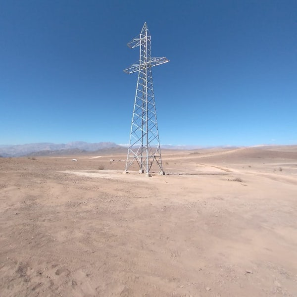 100th pylon raised for powerline link to Condór solar PV project