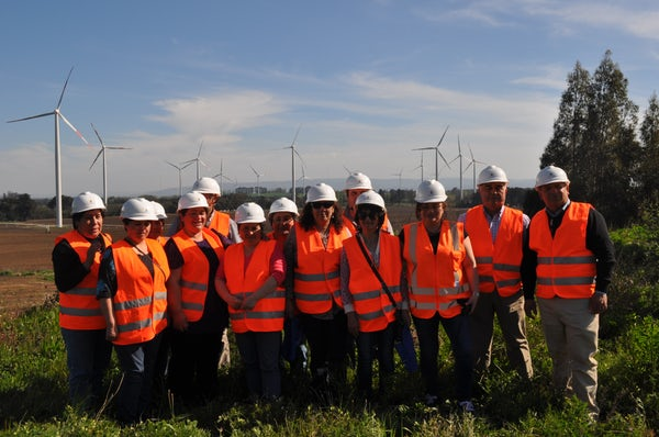 Communities from Southern Chile visit Cuel wind farm
